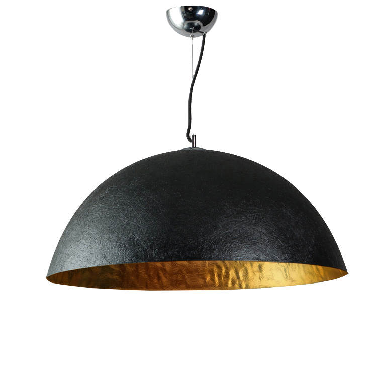 Zwarte hanglamp gouden binnenkant grote hanglamp.