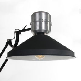 Verstelbare-industriele-design-vloerlamp-zwart-INDU