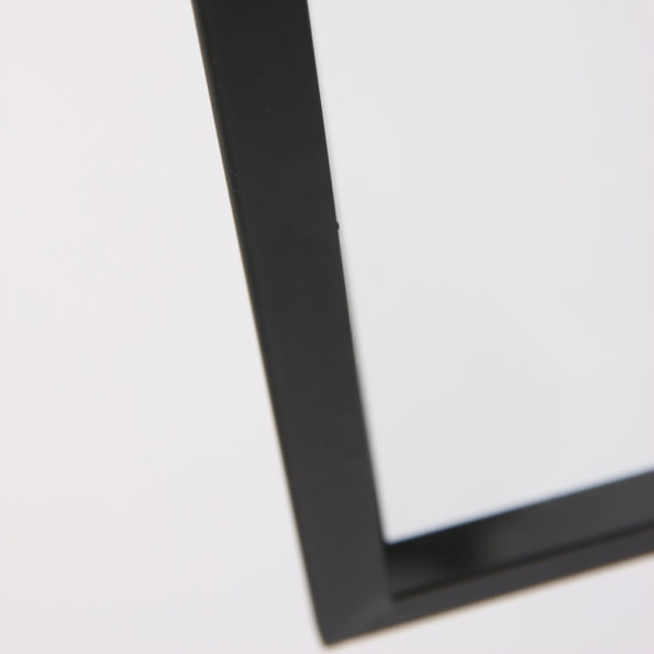 detail zwarte hanglamp