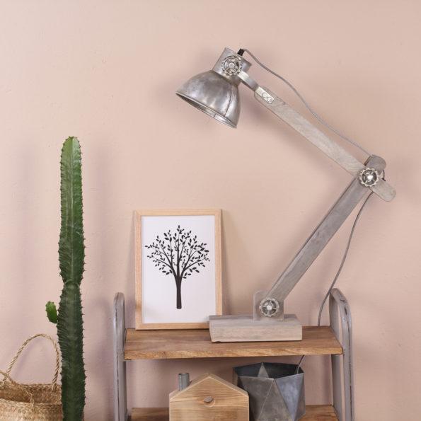 sfeerfoto tafellamp met zilveren kap