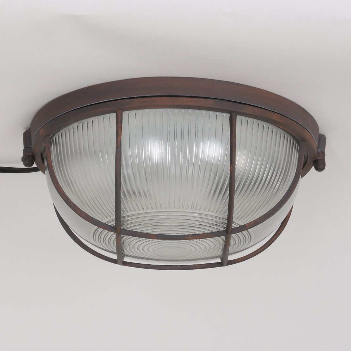 Stoere ronde plafondlamp chinny bruin industriele lampen for Stoere plafondlamp